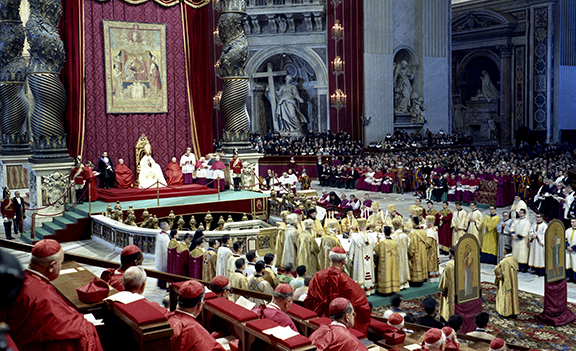 POPE PAUL VI PRESIDES OVER MEETING OF SECOND VATICAN COUNCIL IN 1963