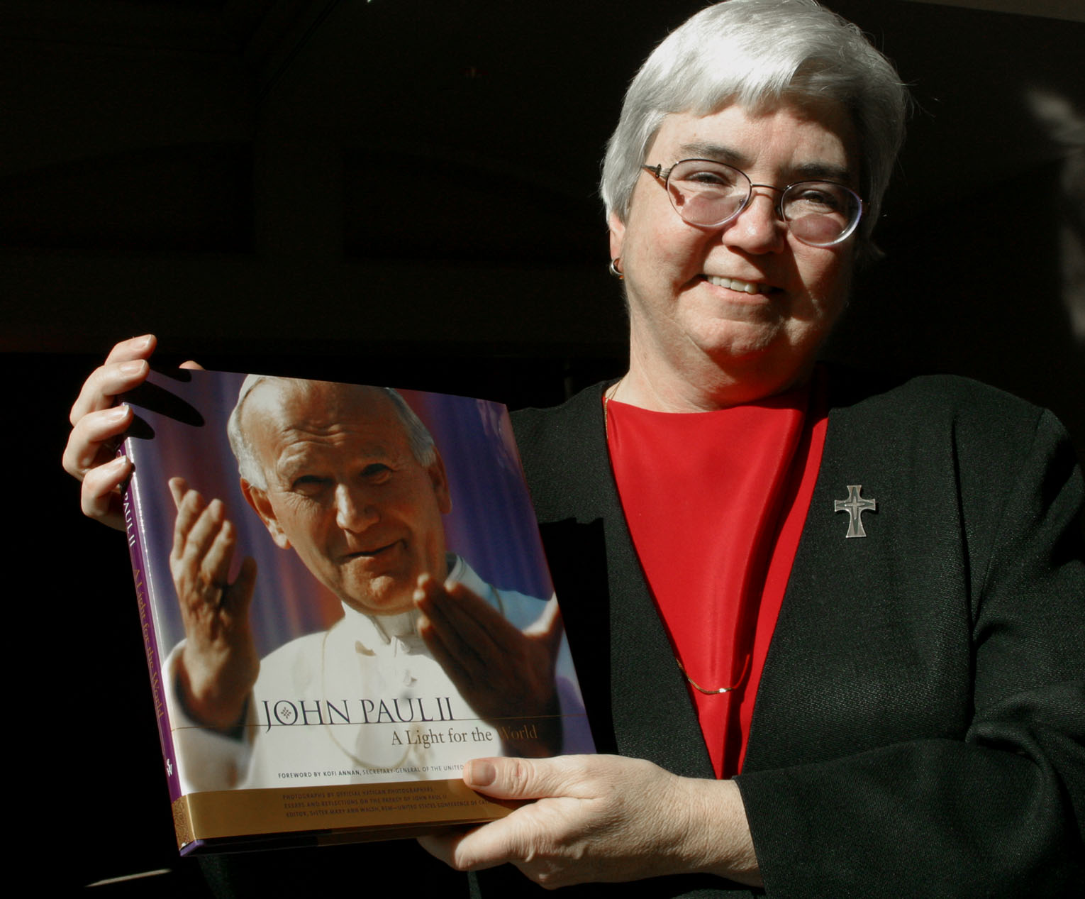 MERCY SISTER EDITS NEW PICTORIAL DOCUMENTARY ON POPE JOHN PAUL II