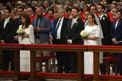 VATICAN-POPE-MASS-WEDDING