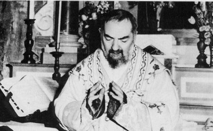 Padre Pio Orate Fratres