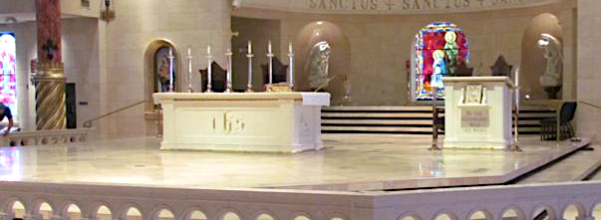 Free standing altar